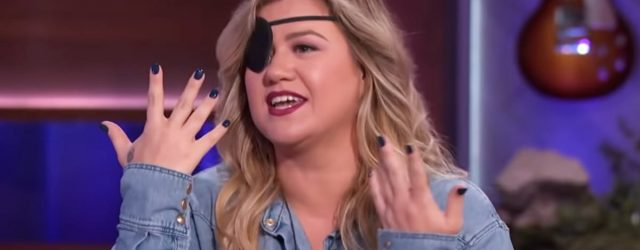 Kelly Clarkson Reveals the Reason Behind Her Unexpectedly Pirate-y Look