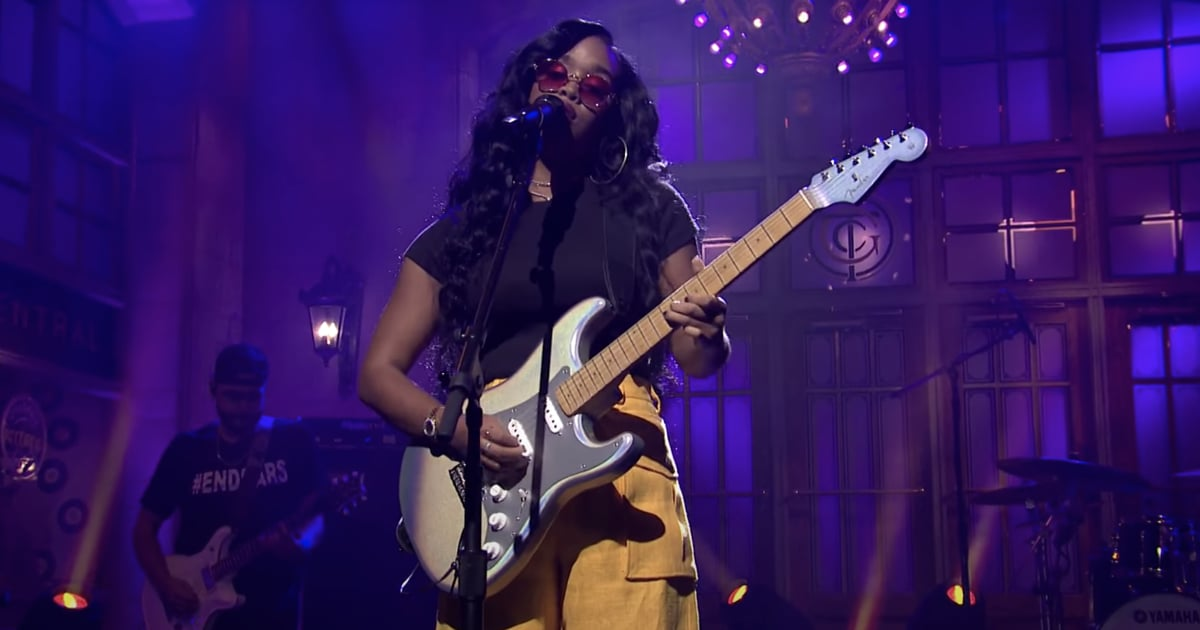 H.E.R. Brings Attention to the #EndSARS Movement in Moving SNL Performance