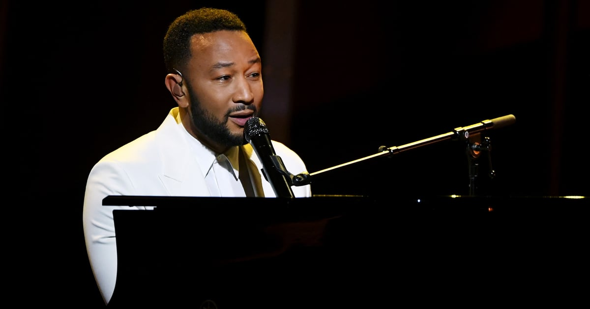 "John Legend Dedicates His Emotional ""Never Break"" Performance to Chrissy Teigen"