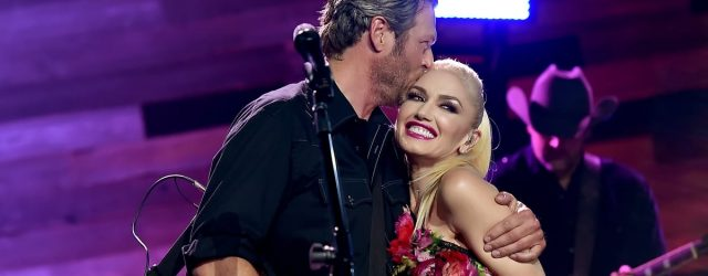 Gwen Stefani Adorably Documented Her Entire Night With Blake Shelton at the PCAs