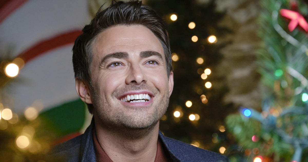 Jonathan Bennett Opens Up About LGBTQ+ Visibility in Holiday Movies