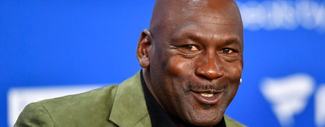 "Michael Jordan ""Gives Thanks"" by Donating $2 Million to Food Banks Ahead of Thanksgiving"