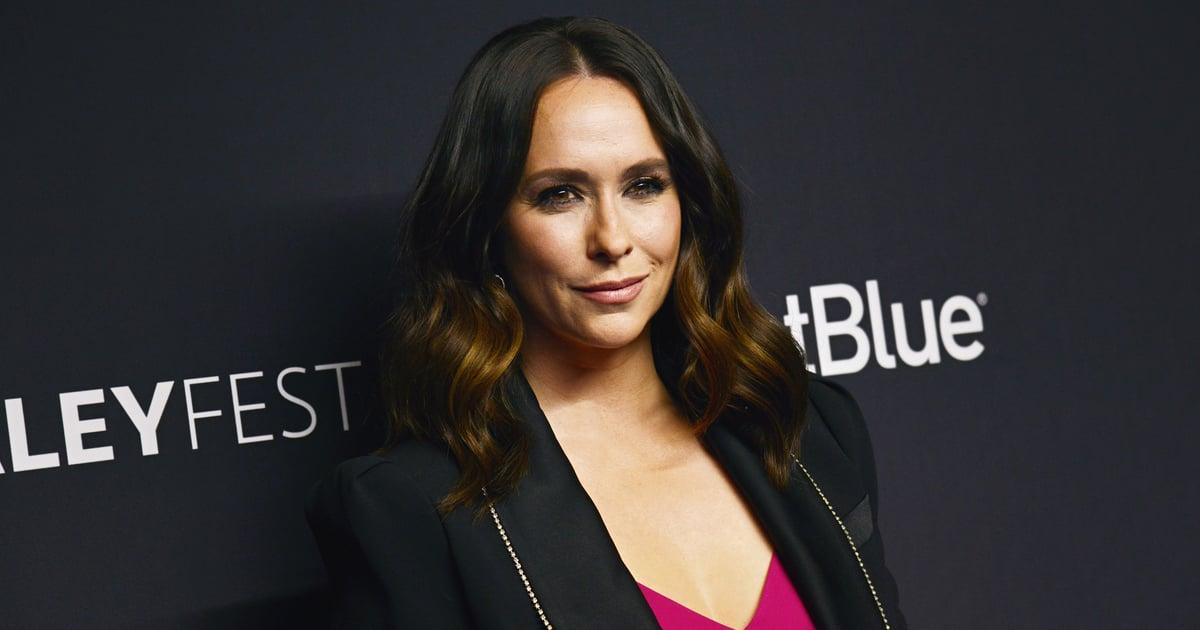 "Jennifer Love Hewitt Recalls Being Asked ""Gross"" Questions About Her Body as a Rising Actress"