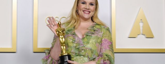 """Emerald Fennell Jokes She and Zack Morris Should """"Give It a Go"""" After Her Oscars Win"""