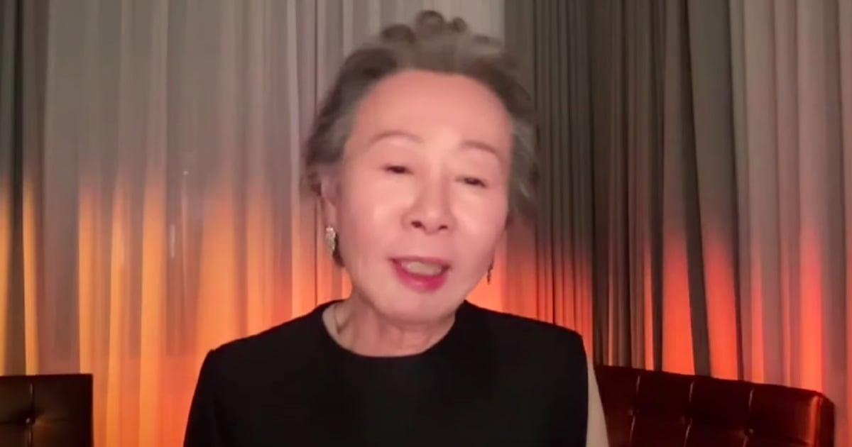 """Minari's Yuh-Jung Youn Jokingly Thanks """"Snobbish"""" British People in BAFTAs Speech"""