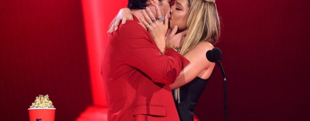 Outer Banks's Chase Stokes and Madelyn Cline Seal Their Best Kiss Win With a Steamy Smooch