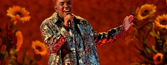 """Watch the Soulful Arlo Parks Perform """"Hope"""" at the BRIT Awards"""