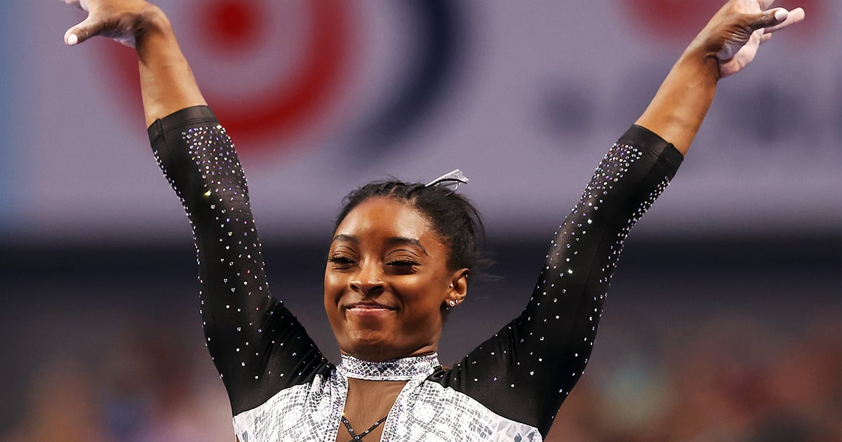"""Jonathan Owens Is Simone Biles's Biggest Cheerleader: """"So Proud of You My Lil Champ"""""""