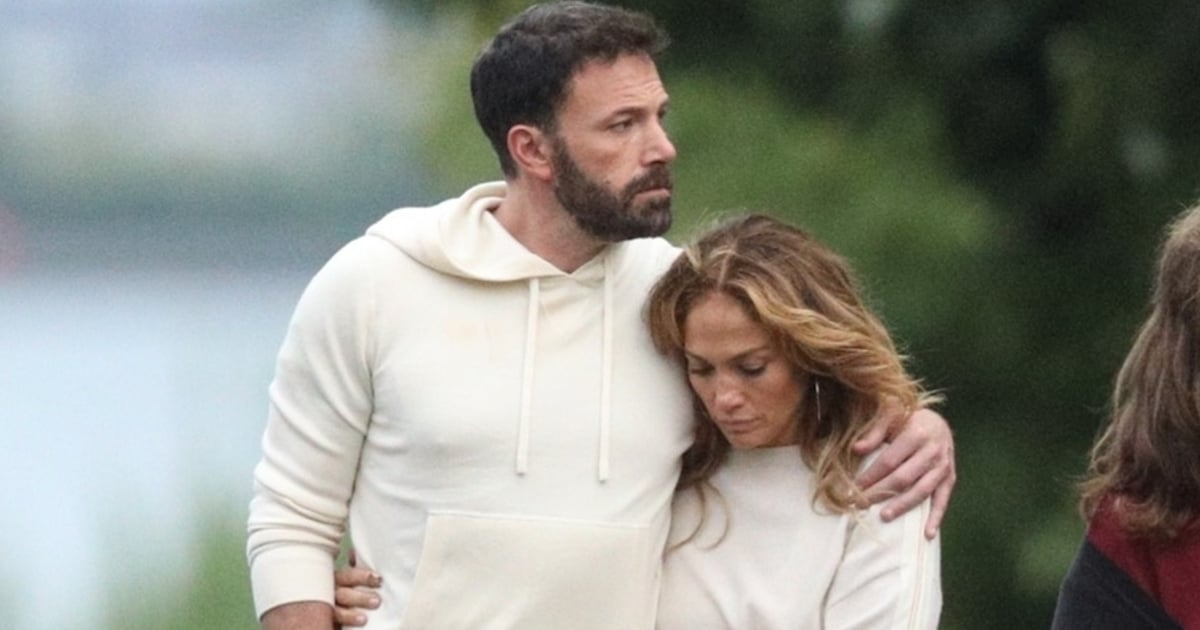 Jennifer Lopez and Ben Affleck Cozy Up in the Hamptons For Their Holiday Getaway
